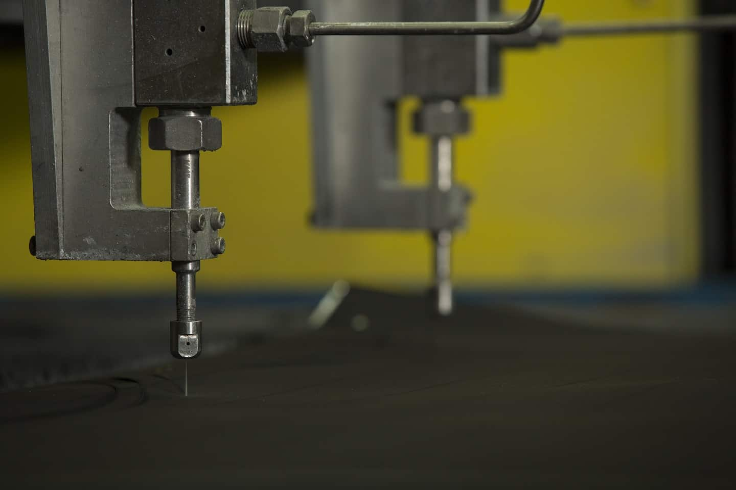 Read more about the article Did You Know That You Can Cut Precisely Without Tooling?