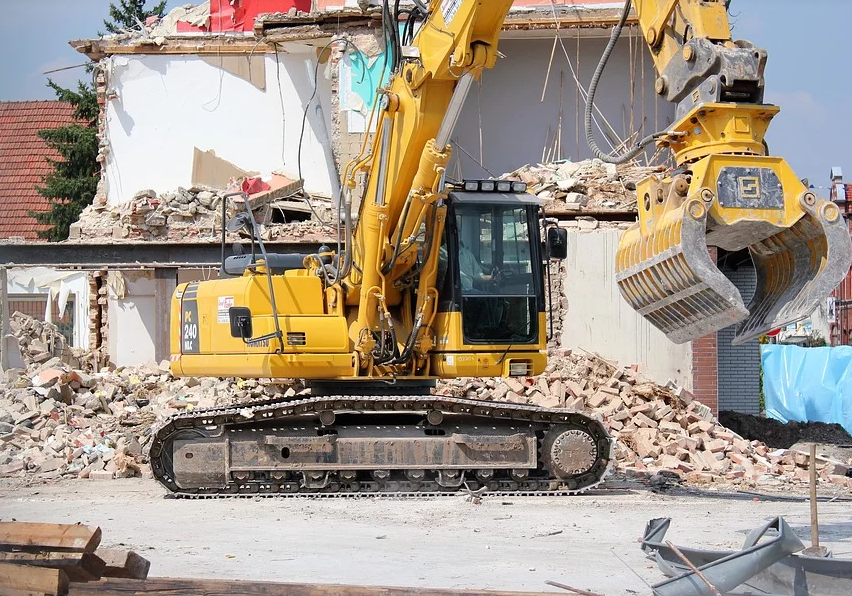 Demolition Excavators: Cabin Sealing and Engine Insulation